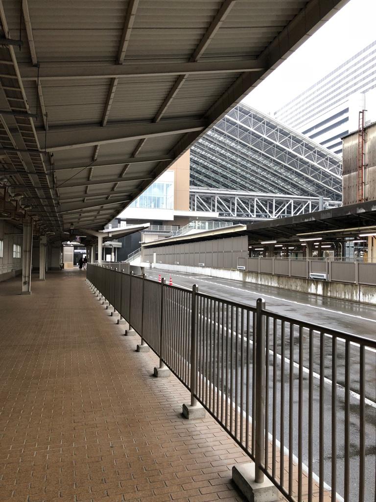 駐車場から大阪駅まで1