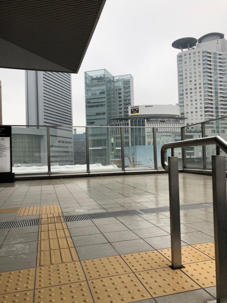 駐車場から大阪駅まで3