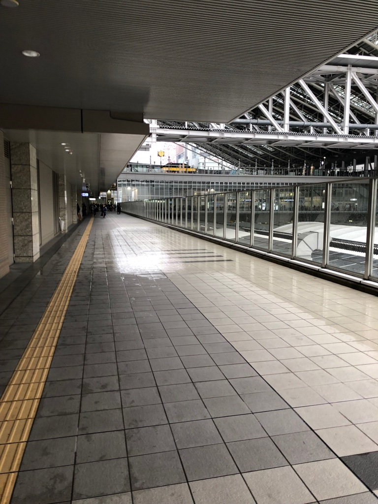 駐車場から大阪駅まで4