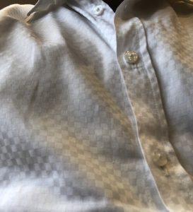 シャツで抱っこひもしたときのシワ