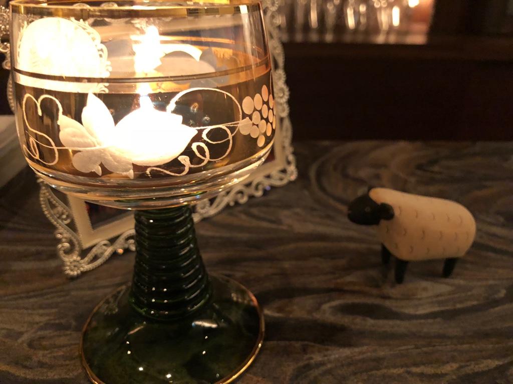 羊とグラス