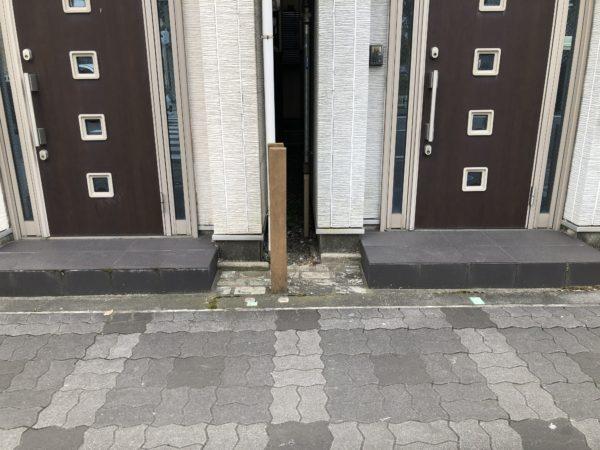 隣り合った家