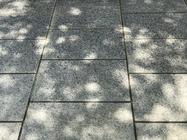 Stone pavements